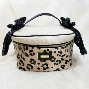 Betsey Johnson|Large Makeup Bag Leopard Print